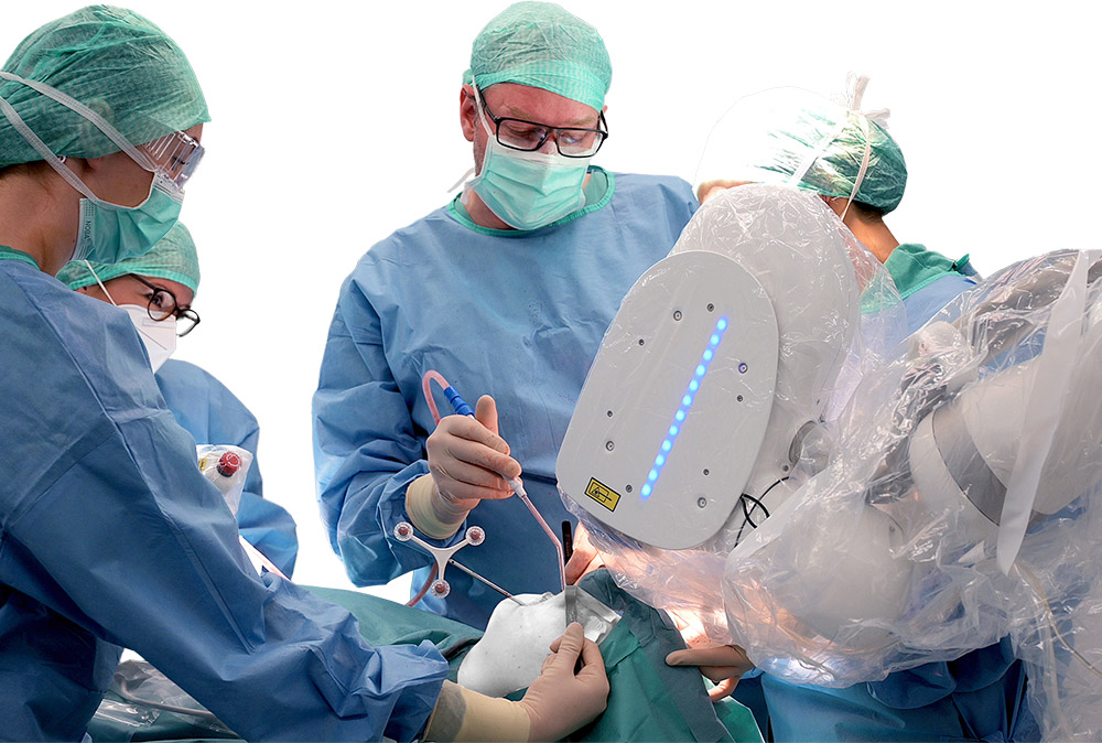 AOT's surgical robot CARLO® in practice at the Paracelsus clinic Munich